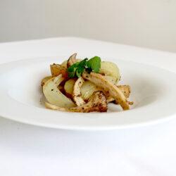 ジャガイモとエリンギ 玉ねぎのハーブ風味