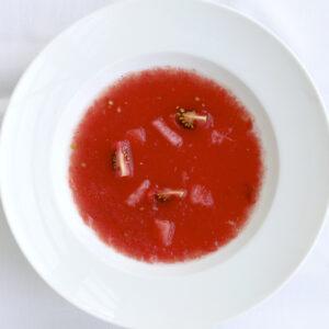 赤色のおろしスープ(冷製)