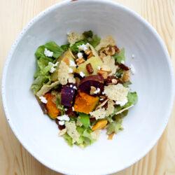 ドライフルーツと根菜のトスサラダ